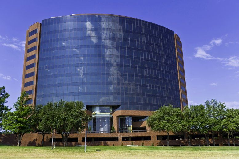 MacArthur Center II available for companies in Las Colinas