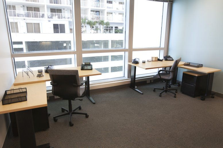 1111 Brickell Ave Office Images