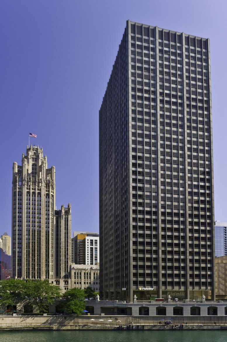 401 North Michigan available for companies in Chicago
