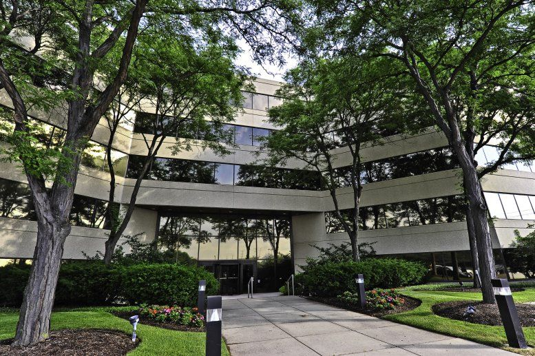 One Northbrook Place available for companies in Northbrook