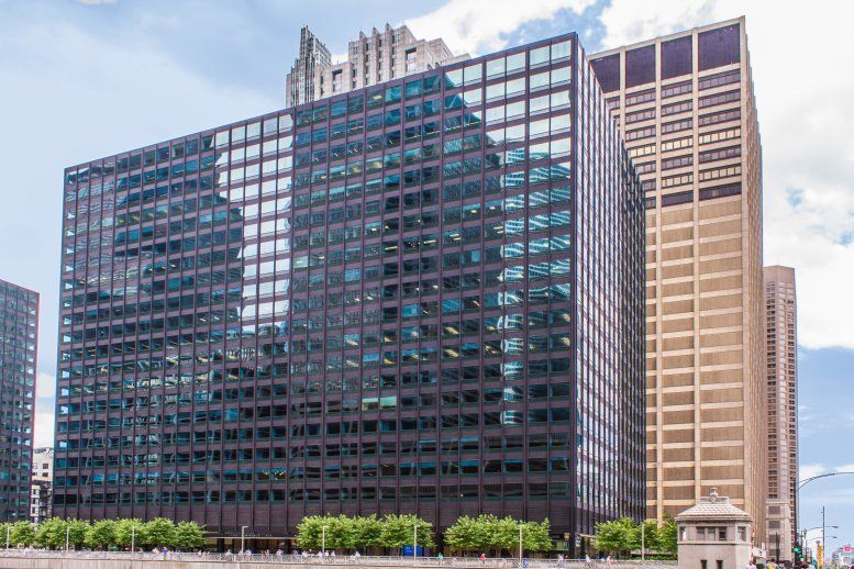 Gateway Center I, 10 South Riverside Plaza, West Loop Office Space - Chicago