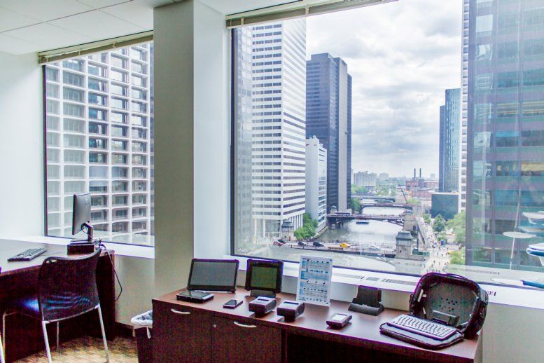 Gateway Center I, 10 South Riverside Plaza, Suite 1800 Office for Rent in Chicago