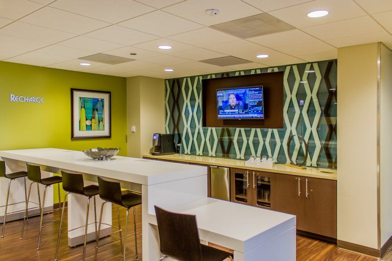 This is a photo of the office space available to rent on Gateway Center I, 10 South Riverside Plaza, Suite 1800