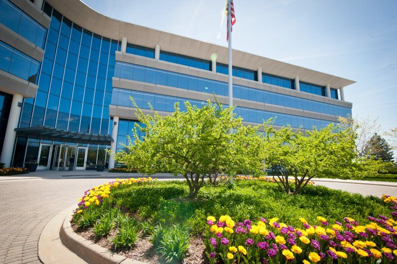 Oak Brook Pointe available for companies in Oak Brook